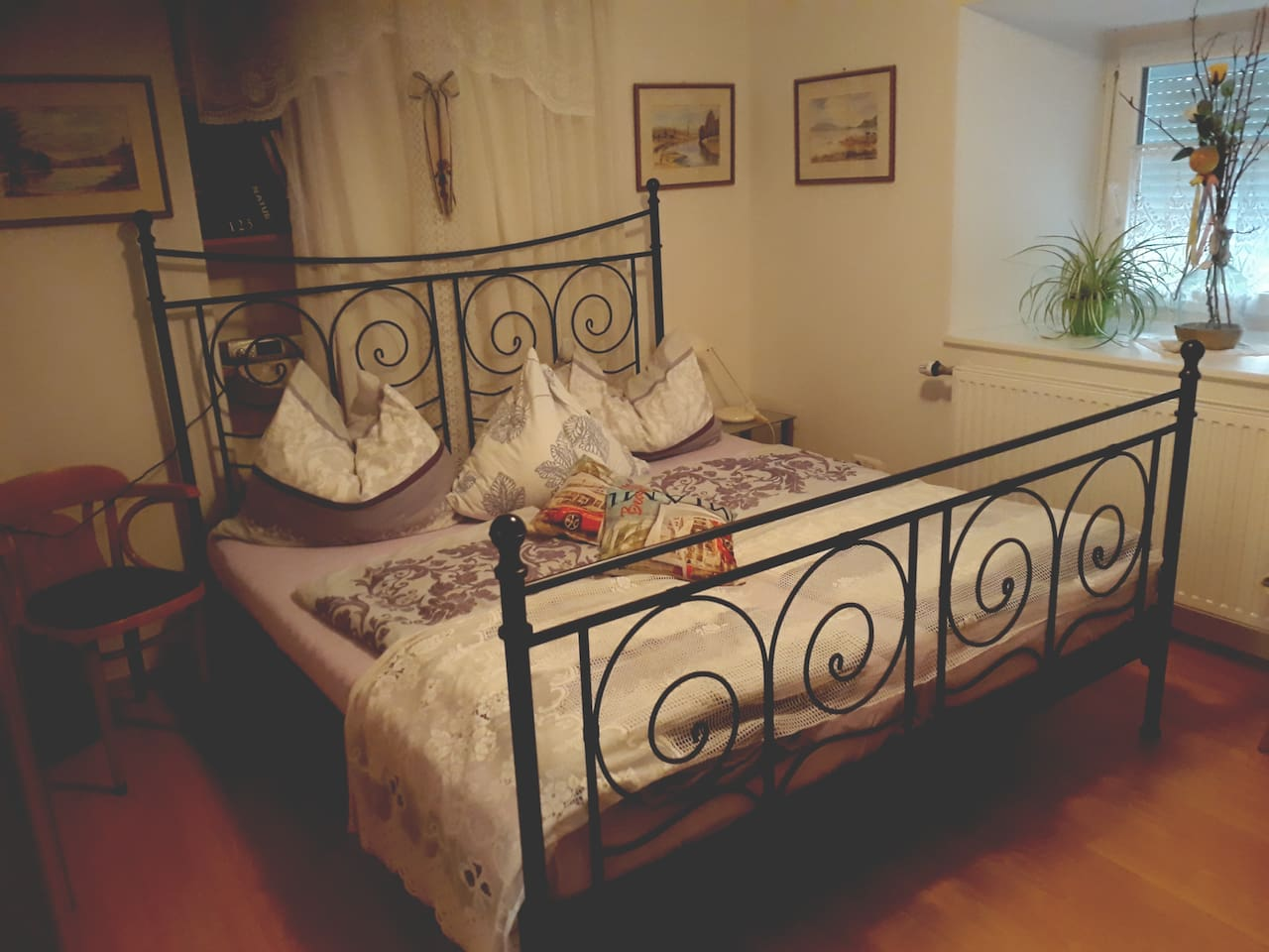 Double Bed (180x100).