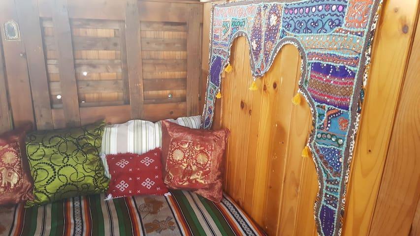 Cobertizo de madera en la azotea