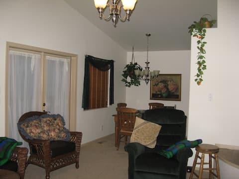 Myrtle Creek Guest House