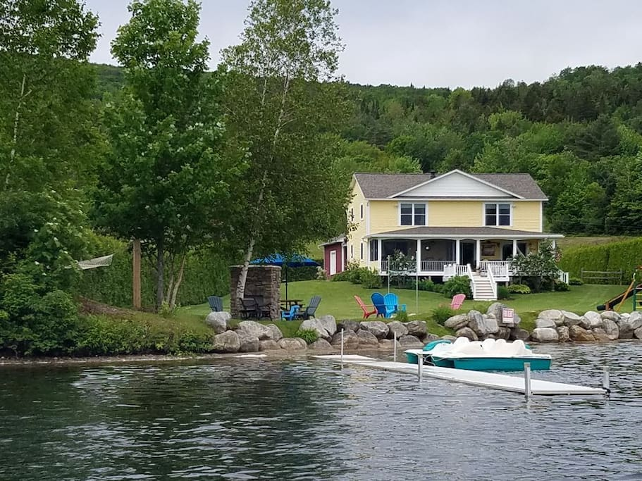 Immaculate Beach Front House With Dock and Swim Up Floatie