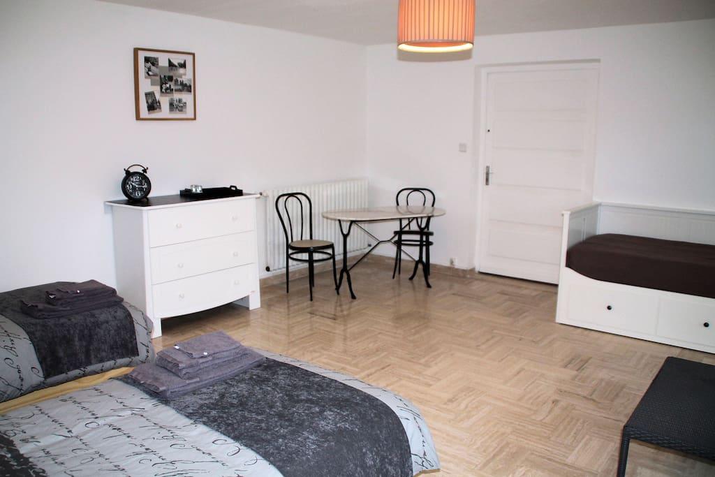 chambre paris chambery maisons louer chamb ry rh ne alpes france. Black Bedroom Furniture Sets. Home Design Ideas