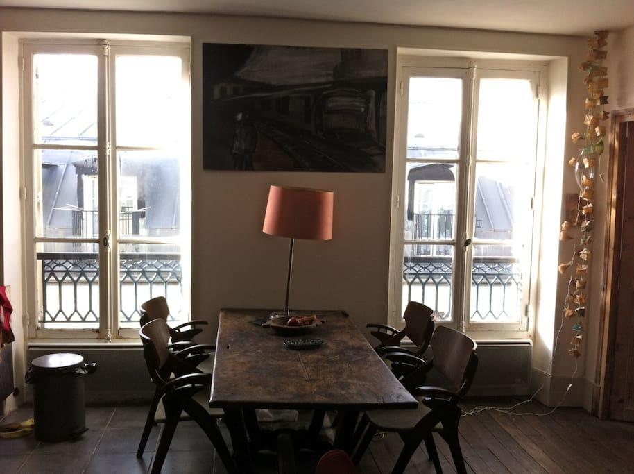Charmant appartement belleville appartements louer for Appartement atypique a louer ile de france