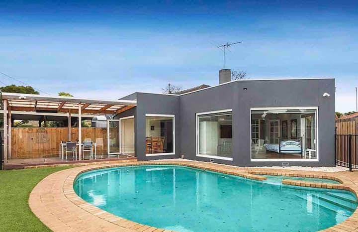 Central Oakleigh shared home $49 per room