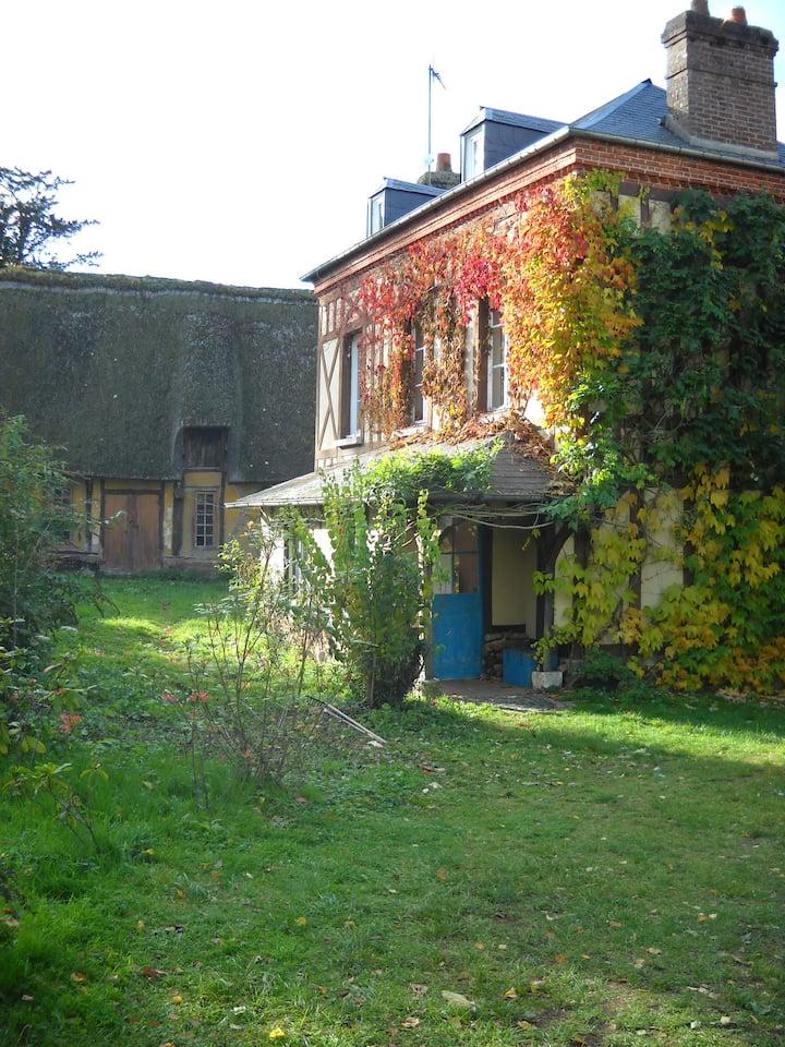 Chaleureuse maison de famille en bord de Seine