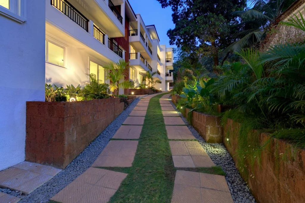Pathway to the clubhouse and pool