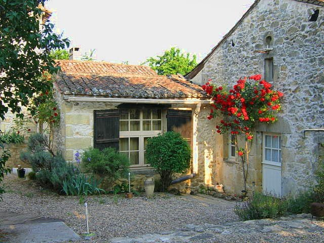 Charming cottage in Bordeaux wine area - Faure Sourd - Huis