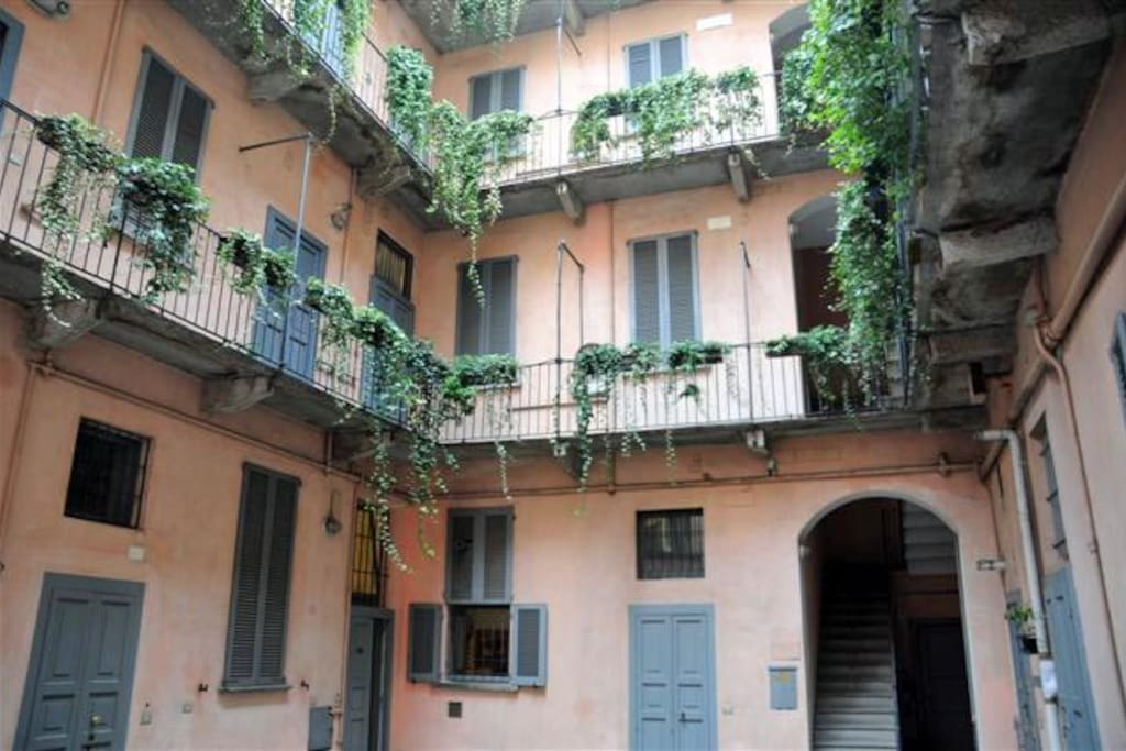 Central cozy and cheap in old milan appartamenti in for Bagno 96 cattolica