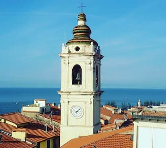 Nice apartment in center with private terrace+wifi - Bordighera - 公寓