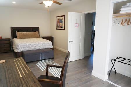 Clean Modern Bedroom 2 Near Disney/OC - Orange - Casa