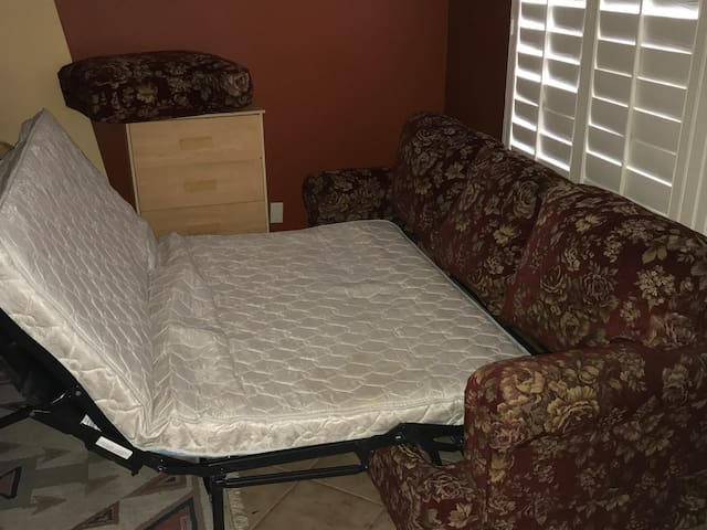 Pullout-couch living-room opt airbeds not-private