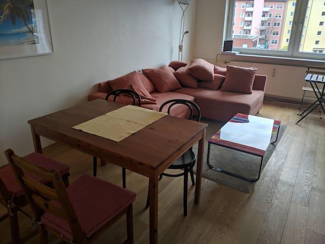Gorgeous quiet sunny apartment