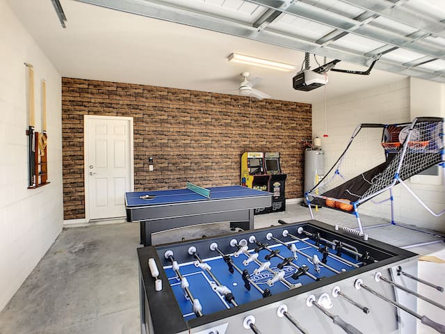 Dubai Oasis- 5BR/ Grill /Game Room /Theme Room/Near Disney