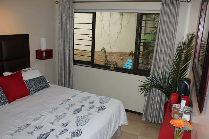 Beach holiday for 2 in the heart of Ballito - Dolphin Coast - Dům