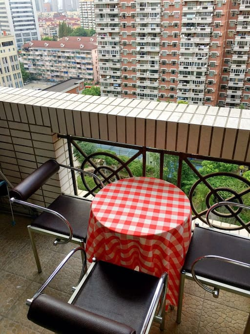 Balcony with a table for coffee