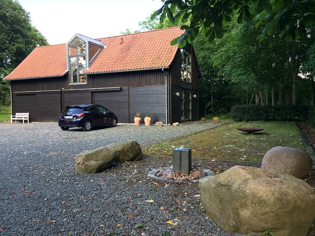 Naturskøn bolig tæt ved Aarhus, skov og strand!