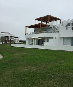 Casa de Playa en Asia Km 89.90 - Ház