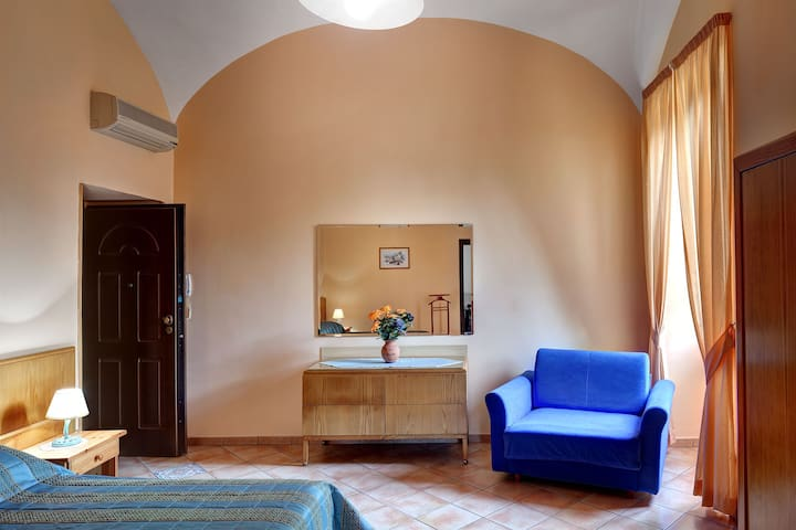 Adorable Apartment. Great Location - Sant'agnello - Apartemen