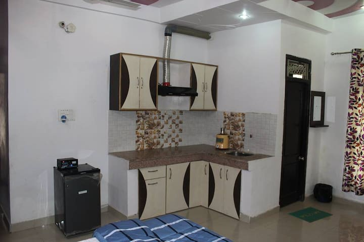 New Delhi Guest House- Comfort in Budget - Haridwar - Guesthouse