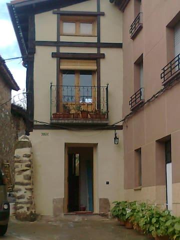 San Millan y los monasterios - Berceo - Hus