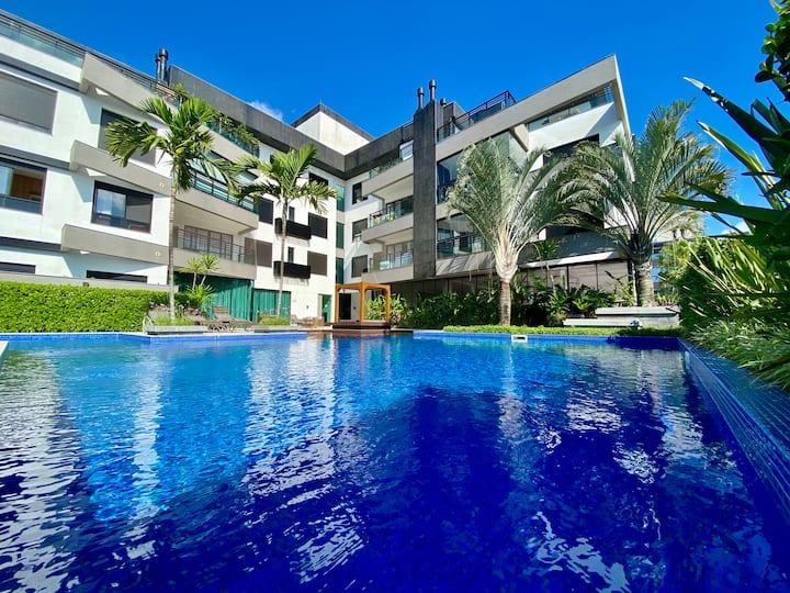 Apto com piscina Novo Campeche uma quadra da praia