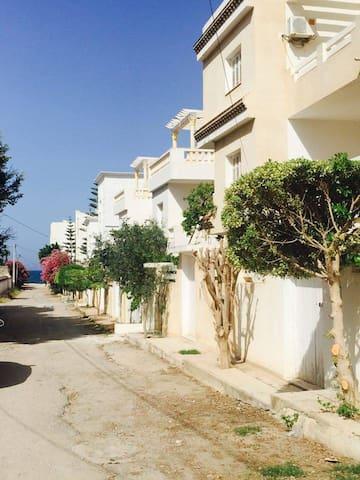 duplex a 40m de la plage sousse - Sousse - House