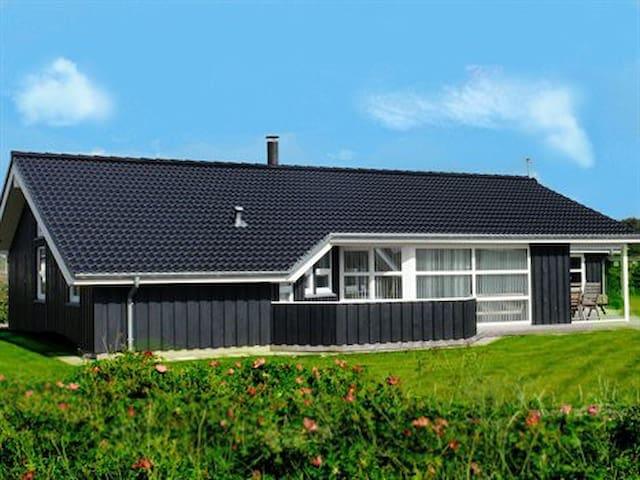 8 Pers Haus am Meer in Nordjütland - Hjorring - House