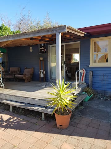 Motueka by the Marina - Cosy Beach Cottage - Motueka