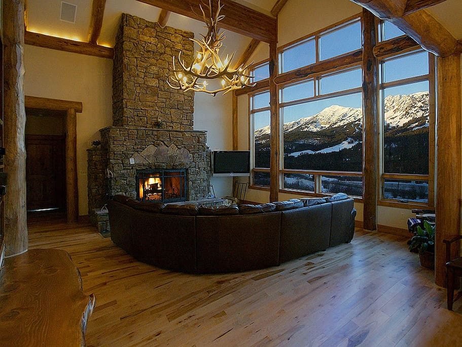 Bridger Vista great room with view of ski slopes at Bridger Bowl Ski Area