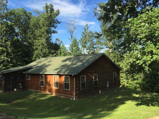 Peaceful - Log Cabin in Daniel Boone Nat'l Forest!