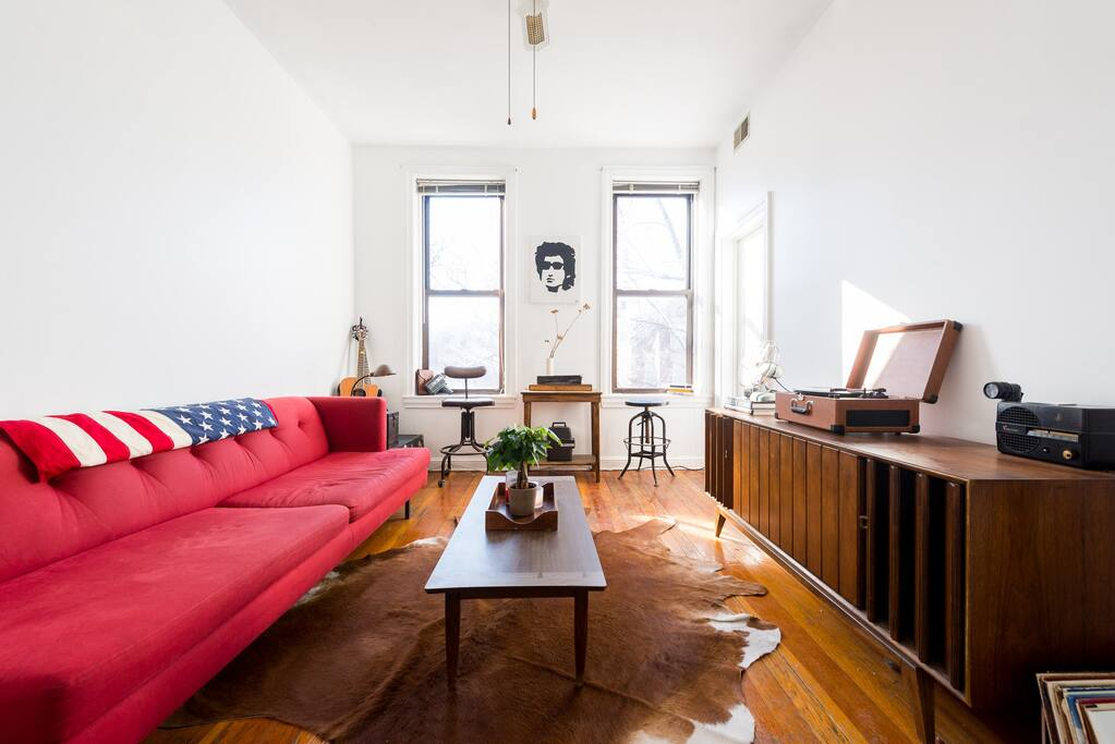 reduced midcentury modern apartment in bucktown apartments for rent in chicago illinois