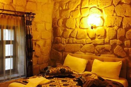 DİAMOND OF CAPPADOCİA HOTEL DOUBLE STONE ROOM - Göreme Belediyesi - Bed & Breakfast
