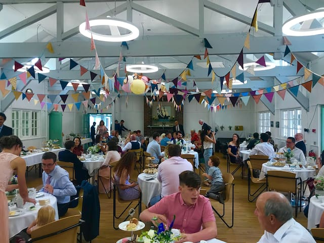 Seating up to 100 guests in the main dining room for a family party