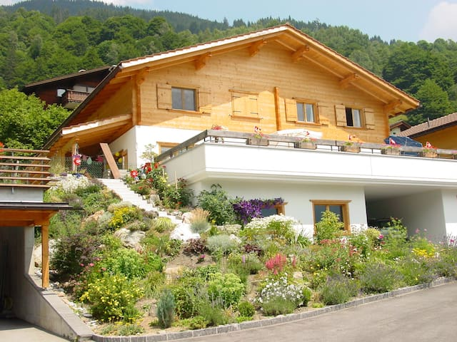 Chalet, 5 mins walk to Ski Slopes,  Private Sauna