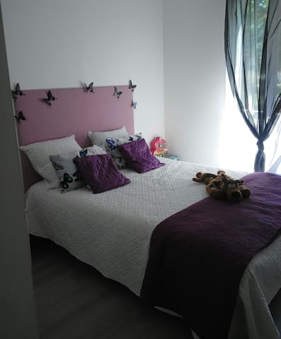 chambre agréable confortable, (Website hidden by Airbnb)  lit 160