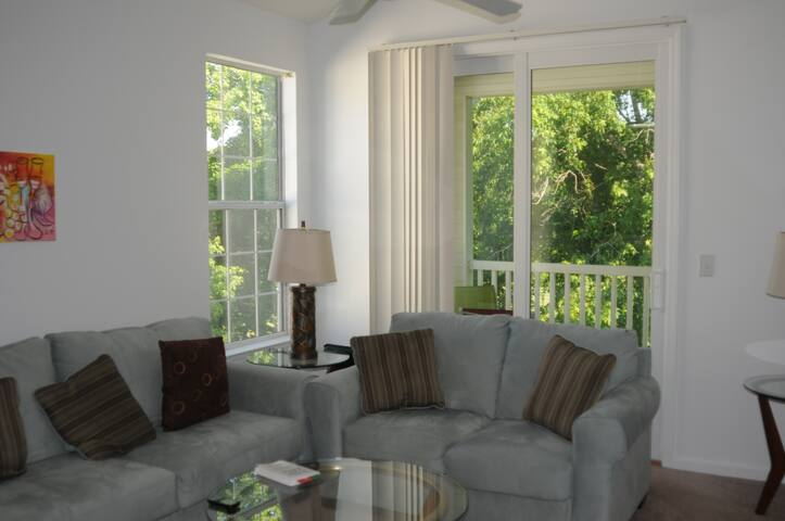 AWESOME 2BR condo on Golf Course!!