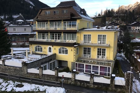 Cosy apartment opposite to the cable car and slope - Badgastein - Appartement en résidence