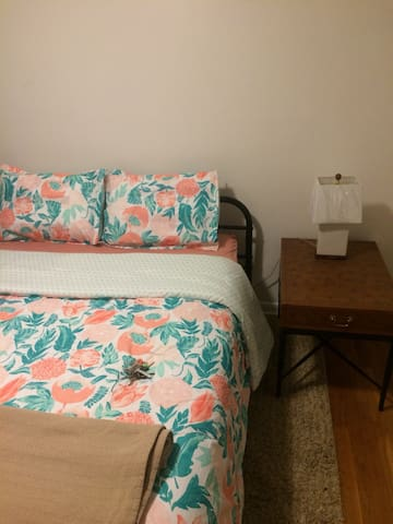 Cozy Quiet 1 Bedroom near beltway