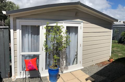 Petone Studio - close to buses & beach