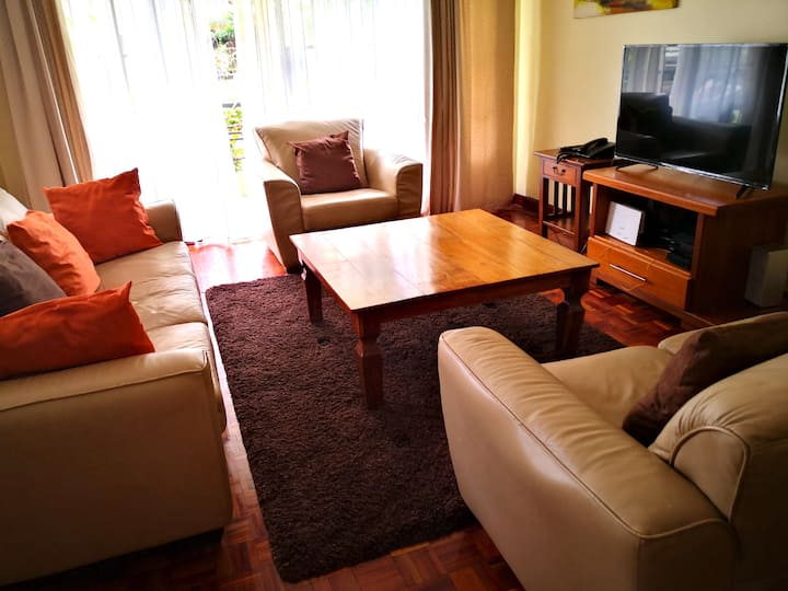 Modern & Serviced 2 Bed Apt behind Junction Mall