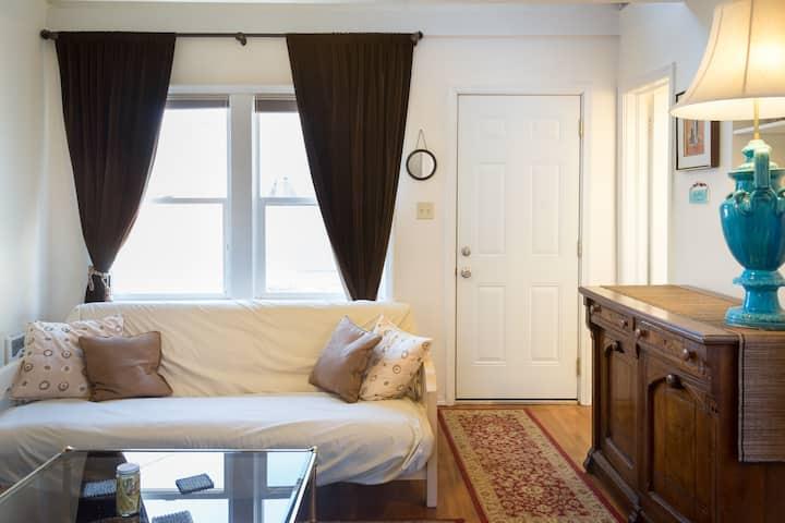 Cozy one Bedroom Bungalow