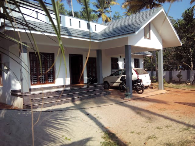 River View PVT room in  ALAPPUZHA - Cherthala - Casa