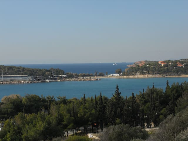 A sunny apartment by the beach - Atenes - Pis