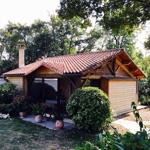 Petit pavillon dans un parc - Soyaux