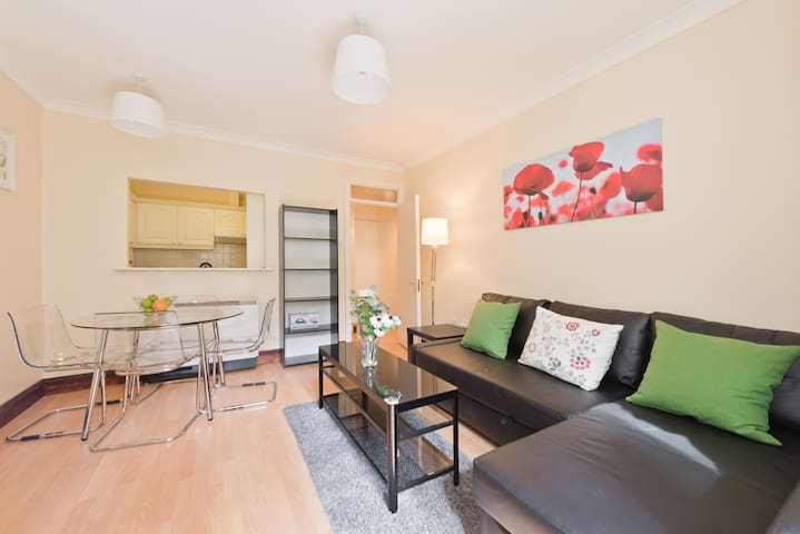 *Beside*TEMPLE BAR*Cosy apt**Ha'penny bridge