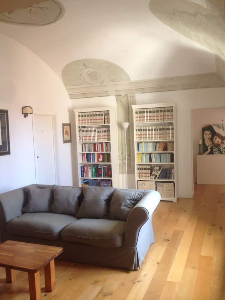 Frescos' house