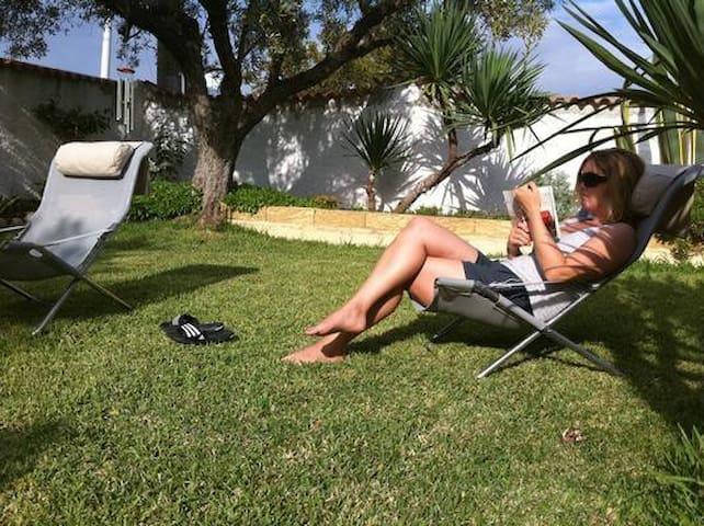 Villa Blumenhaus: Ferienwohnung Lino - Sellia Marina - Apartament