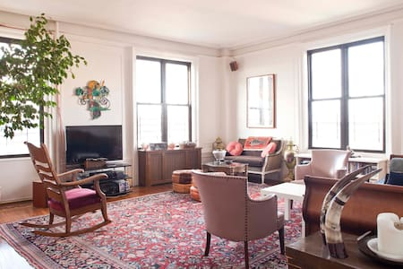 Bright Room With A Great River View - New York