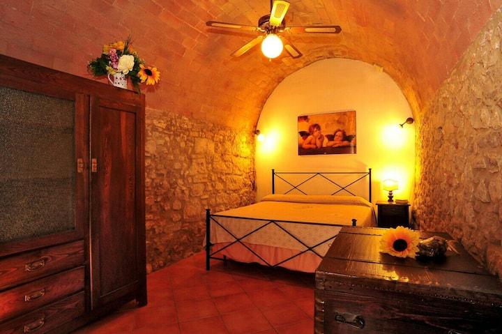 Tuscan house near the thermal bath