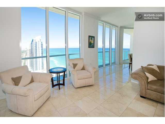 LA PERLA -Luxurious penthouse in oceanfront bldng