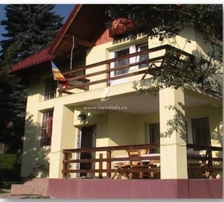 Mikdonia Villa - Predelut Home with a View